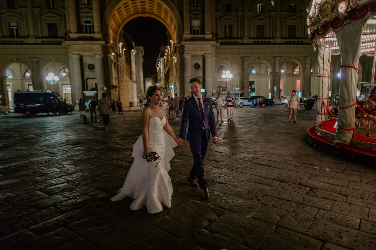 Evening Bride and Groom Wedding Photos in Florence Piazza